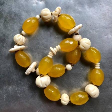 دستبند عاج ، سنگ حدید و سنگ عقیق زرد