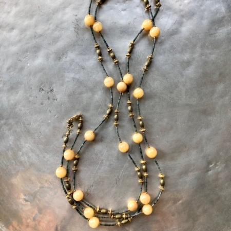 گردنبند از سنگ جید واشری و سنگ عقیق زرد