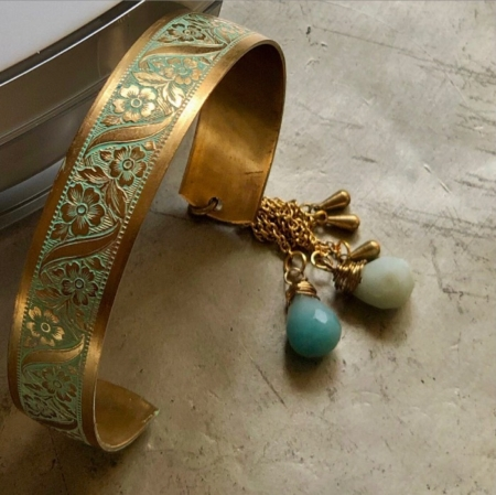 دستبند از سنگ آکوامارین اشکی