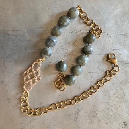 دستبند با سنگ زبرجد گرد